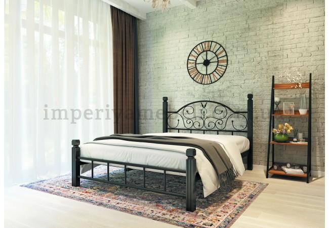 На фото Кровать металлическая Анжелика на деревянных ножках